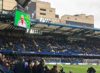 A minute's applause for Ray