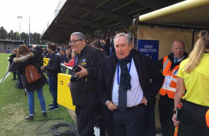 Houllier pitches up pitchside