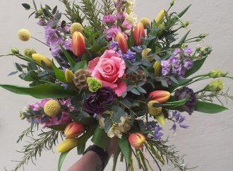 Florist still delivers joy in lockdown
