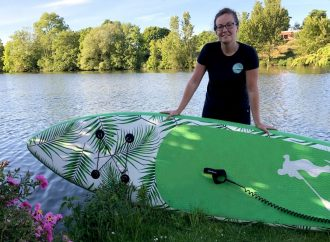 Paddleboarders get back on the water for one-to-ones with Leah