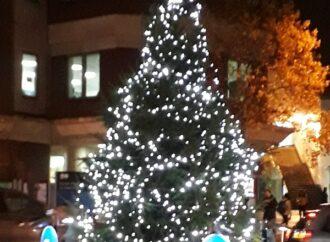 Surbiton councillors splash the cash for Christmas lights