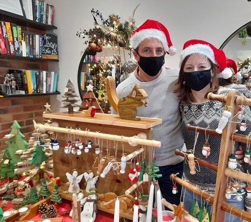 Hair salon transforms into arts and crafts market for Christmas
